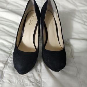 Aldo suede pumps